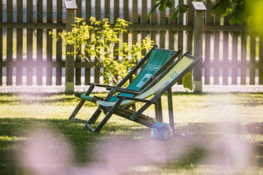 Sonnenliegen im Garte des Ferienhauses in Wienerbruck
